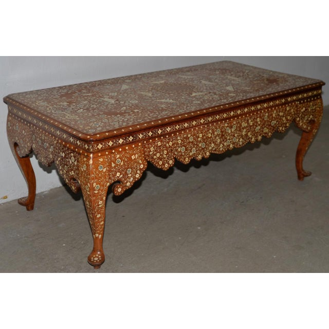 Anglo-Indian Early to Mid 20th Century Anglo Indian Inlay Coffee Table For Sale - Image 3 of 10