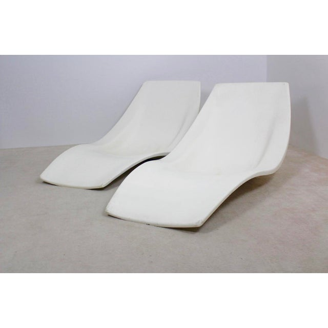 Pair of Original French 1960s Polyester Patio or Pool Side Chaise Lounge Chairs For Sale - Image 10 of 10