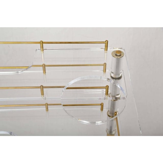 Mid-Century Modern Lucite and Brass Bar Cart on Casters in the Style of Hollis Jones For Sale - Image 3 of 9