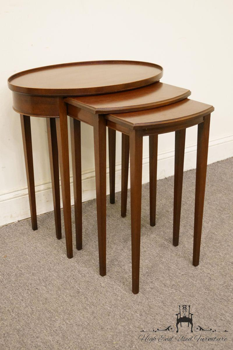 Traditional Imperial Furniture Grand Rapids Genuine Solid Mahogany Nesting  Tables   Set Of 3 For Sale