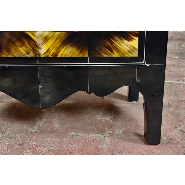Bull Horn Veneer & Black Lacquer Beautiful 3 Draws Commode For Sale In Los Angeles - Image 6 of 9