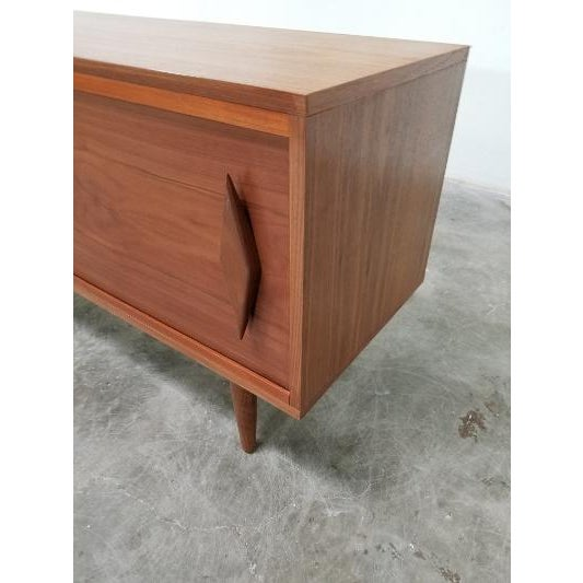 2020s Mid Century Modern Style Walnut Veneer Credenza/Media Records Cabinet For Sale - Image 5 of 13