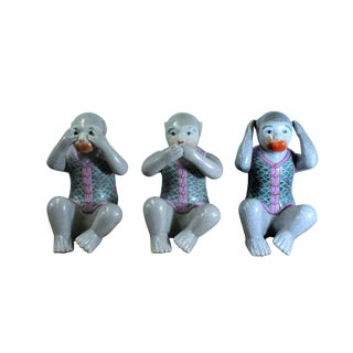 Chinese Vintage Oriental Three Monkey Ceramic Figures Set Do No Evil For Sale