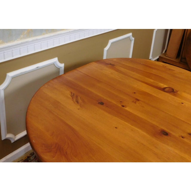 Classic Colonial Style Knotty Pine Oval Dining Table For Sale - Image 10 of 10