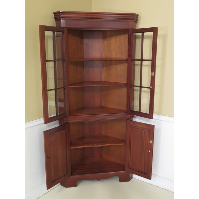 1990s Chippendale Craftique Solid Mahogany Corner Cabinet For Sale In Philadelphia - Image 6 of 11