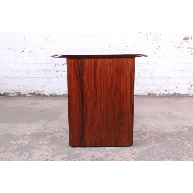 Afra and Tobia Scarpa for B&B Italia Rosewood, Burl and Leather Desk, 1970s For Sale In South Bend - Image 6 of 13