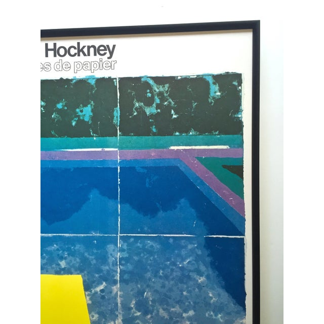 """David Hockney Rare Vintage 1978 Iconic Fine Art Lithograph Print Framed Pop Art Poster """" Day Pool With Three Blues """" For Sale - Image 10 of 13"""