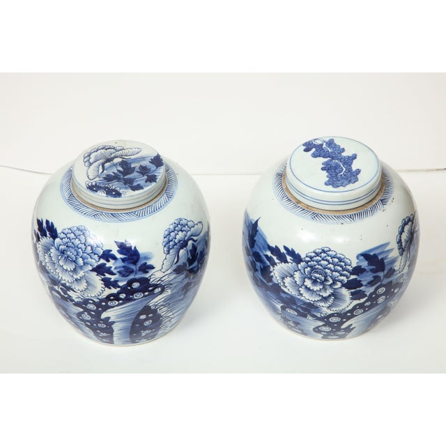 These Chinese export ginger jars with lids are a great way to accessorize a room--on a console, as a centerpiece or with...