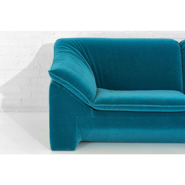 "Teal Niels Eilersen ""Arizona"" Sofa by Jens Juul Eilersen Teal Mohair, 1970 For Sale - Image 8 of 9"