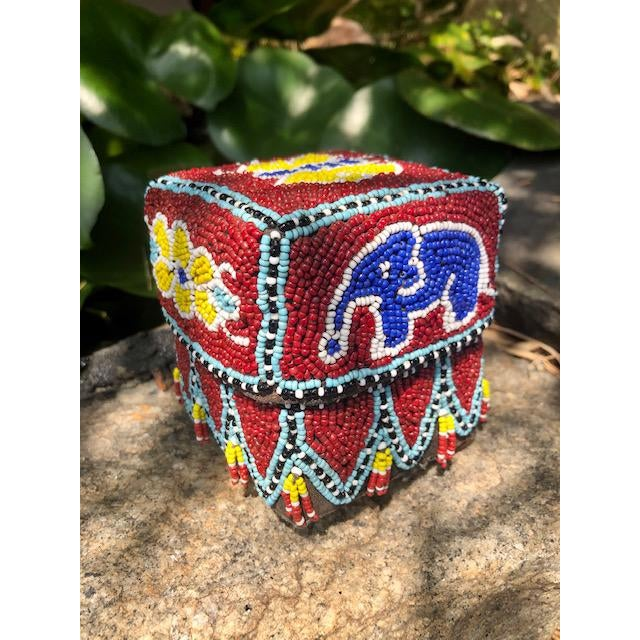 1970s Vintage Red Elephant Indonesian Hand Beaded Basket With Lid For Sale - Image 5 of 11