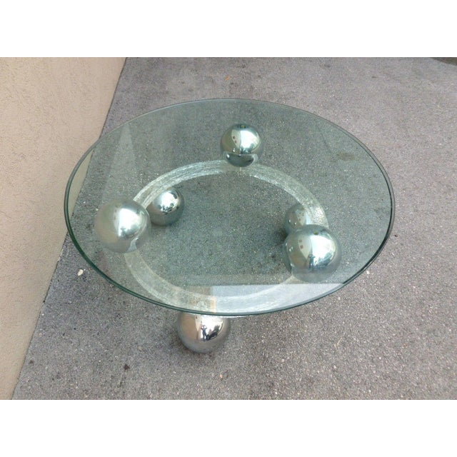 70's Round Cracked Ice Lucite and Spaced Chrome Balls Coffee Table For Sale In Miami - Image 6 of 9