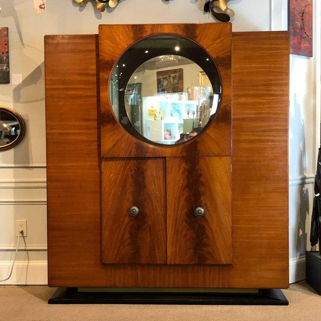 """Art Deco French Art Deco Vitrine With Convex """"Bubble"""" Glass For Sale - Image 3 of 11"""