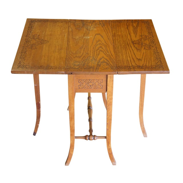 20th Century Arts & Crafts English Oak Gate-Leg Accent Table For Sale