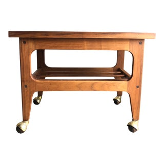 Vintage Mid Century Modern Danish Style Side Table / Cart. For Sale