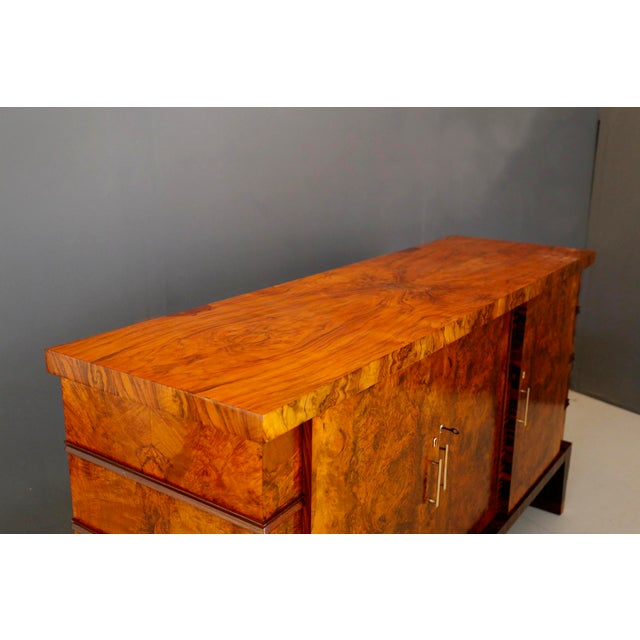 Metal Gio Ponti Sideboard Midcentury in Walnut Briar and Brass Attributed, 1950s For Sale - Image 7 of 11