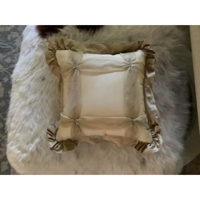 Silk Custom Golden Silk and Taffeta Pillow For Sale - Image 7 of 7
