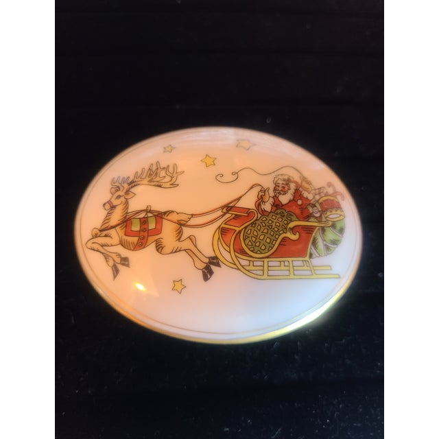 Fitz and Floyd 1980s Fitz and Floyd St Nicholas Trinket Box For Sale - Image 4 of 6