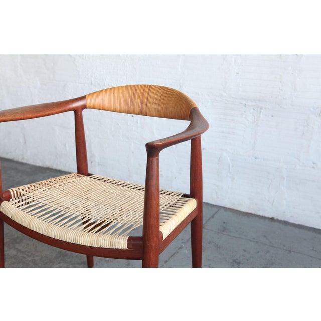 Mid-Century Modern 1950s Mid-Century Modern Hans Wegner Teak and Wicker Round Chair For Sale - Image 3 of 6