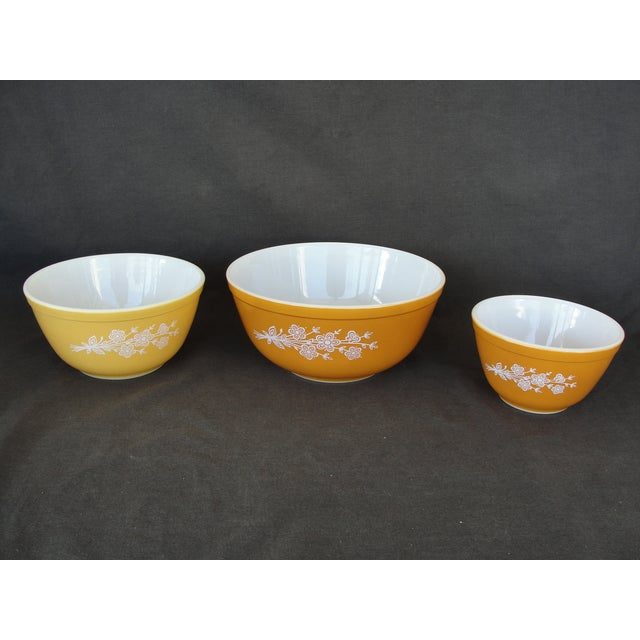 Pyrex Butterfly Gold Cinderella Bowls - Set of 3 - Image 2 of 7