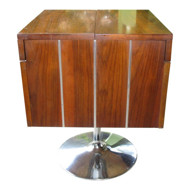 1978 Vintage Lane Danish Modern Style Mid Century Walnut Pedestal Swivel Bar For Sale