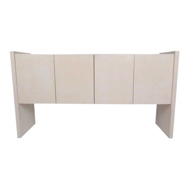 Mid-Century Lacquered Lucite Credenza by Milo Baughman For Sale