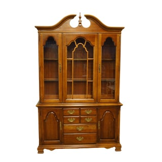 20th Century Traditional Stanley Furniture Cherry Breakfront China Cabinet For Sale