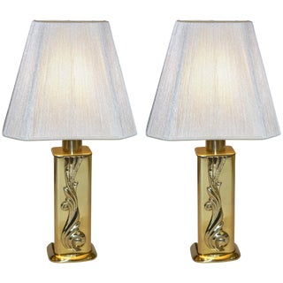 Lipparini 1960s Italian Vintage Gold Brass Lamps With White Silk Shades - a Pair For Sale