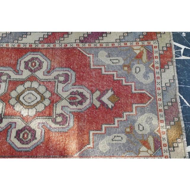 1970s Vintage Turkish Runner Rug Geometric Wool Rug - 2′9″ × 8′7″ For Sale - Image 4 of 9
