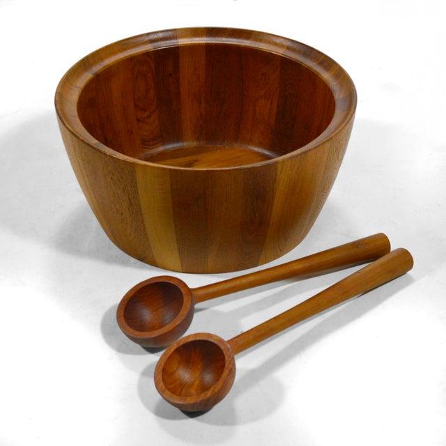 Richard Nissen Oversize Staved Teak Bowl & Servers by Richard Nissen For Sale - Image 4 of 12
