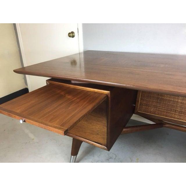 Mid-Century Italian 'Wishbone' Executive Desk For Sale - Image 4 of 9