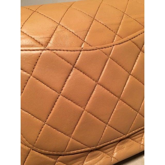 Chanel Vintage Tan 10 Inch 2.55 Double Flap Classic Shoulder Bag For Sale - Image 11 of 12