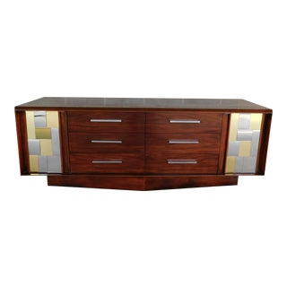 Lane Modern Walnut Credenza / Dresser in the Manor of Paul Evans Cityscape For Sale