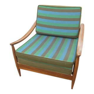 Mid-Century Danish Modern Hide-A-Lounge Chair For Sale
