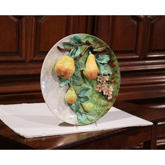 Large 19th Century French Barbotine Wall Platter With Pears From Longchamp For Sale In Dallas - Image 6 of 10