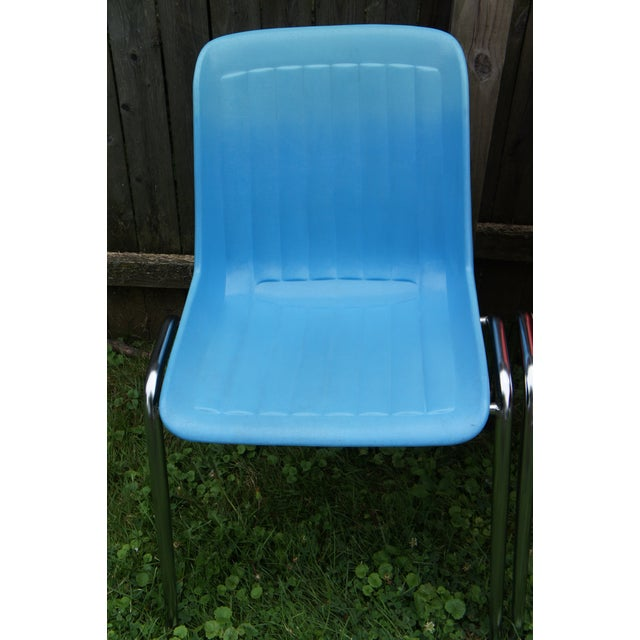 1970s Vintage Columbia Mfg. Stacking Shell Chairs- Set of 10 For Sale - Image 5 of 12