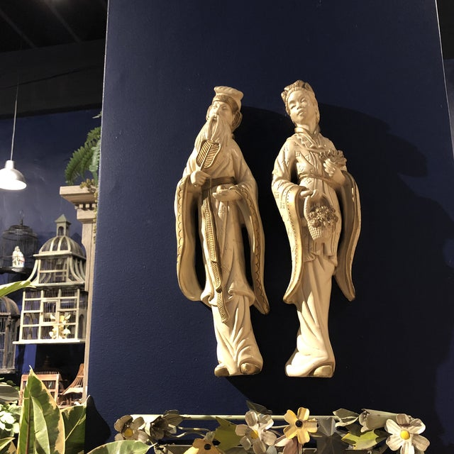 Mid 20th Century Chalkware Emperor and Empress Wall Plaques - a Pair For Sale - Image 9 of 10