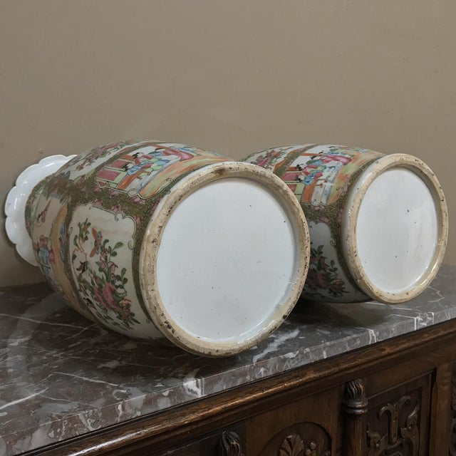 Pair 19th Century Hand-Painted Cantonese Rose Medallion Porcelain Vases For Sale - Image 12 of 13
