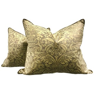 Pair of Vintage Campanelle Pattern Fortuny Pillows For Sale