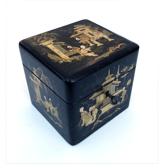 A Charming English Regency Japanned Square-Form Tea Caddy For Sale In San Francisco - Image 6 of 6