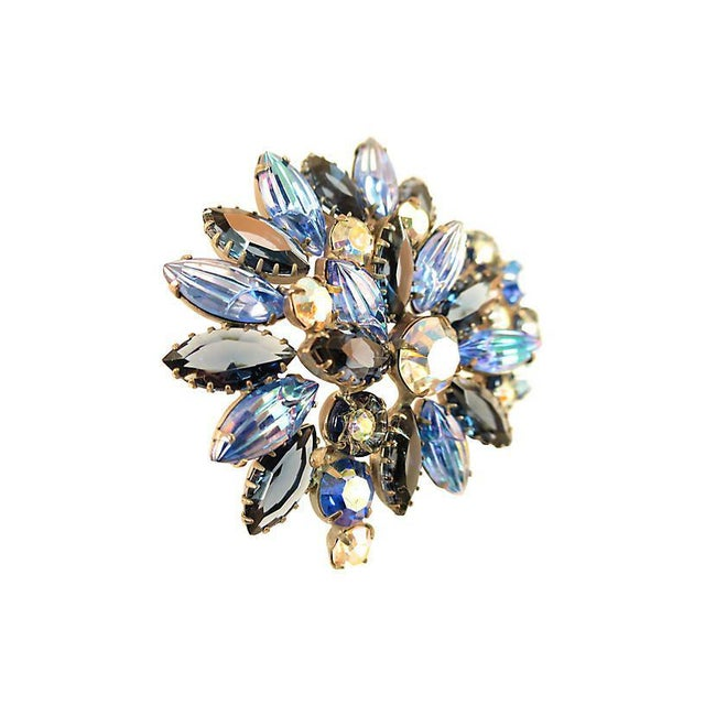 Mid-Century Modern D&e Juliana Carved Blue Art Glass Brooch, 1960s For Sale - Image 3 of 7