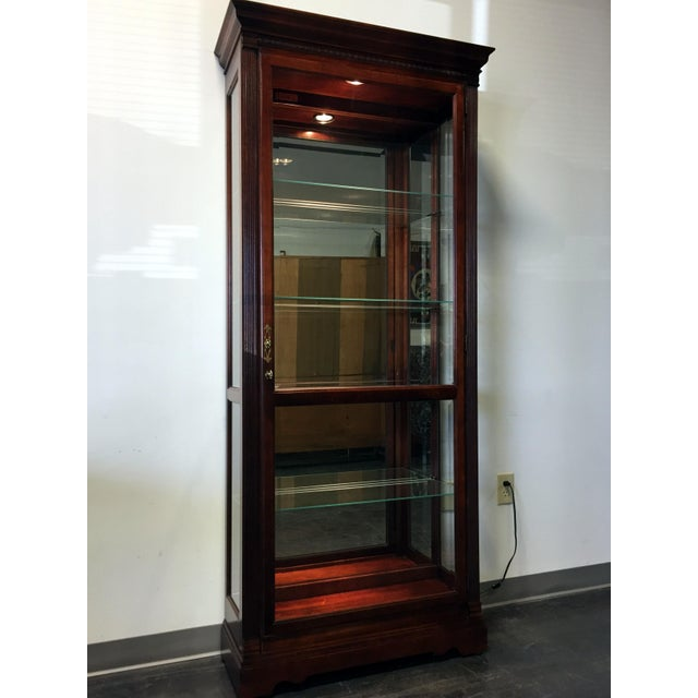 "Traditional Howard Miller ""Walcott"" Lighted Curio Cabinet For Sale - Image 3 of 11"