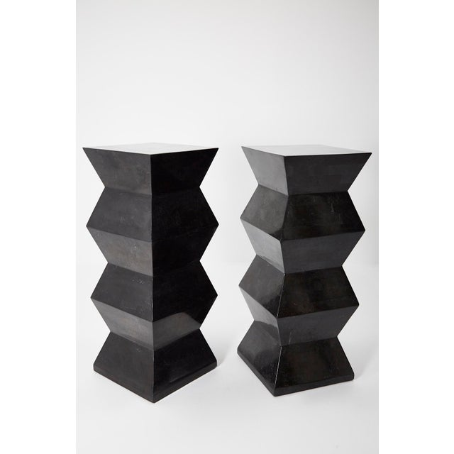 1990s Vintage Oversized Postmodern Tessellated Black Stone Accordion Pedestal For Sale In Los Angeles - Image 6 of 13