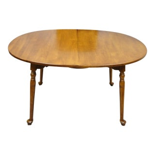 Vintage Pennsylvania House Cherry Wood Colonial Style Oval Dining Table W/ 2 Leaves For Sale