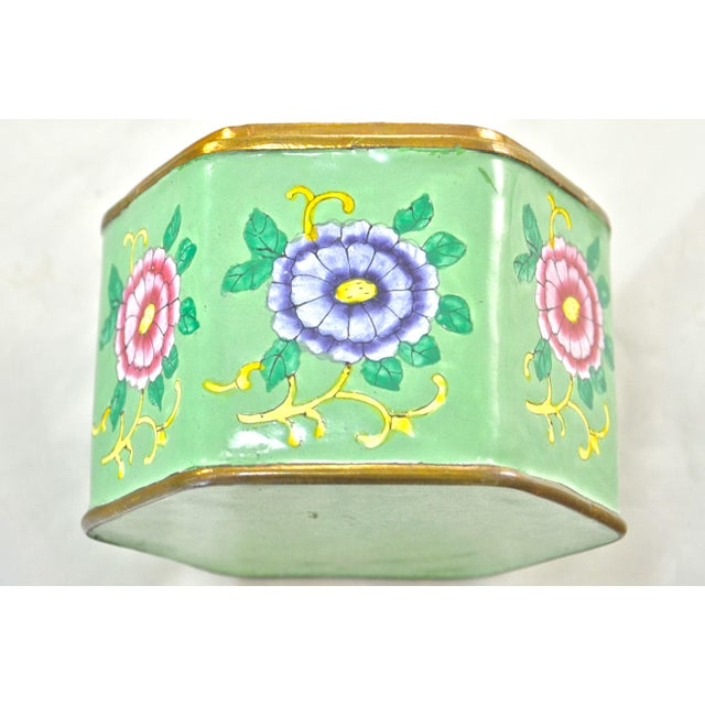 Green Hexagonal Chinese Enamel Box For Sale - Image 4 of 8