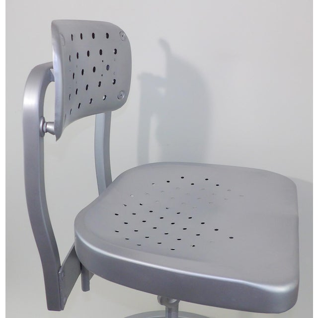 Good Form Mid-Century Modern Industrial Aluminum Drafting Swivel Stool Chair For Sale - Image 9 of 11
