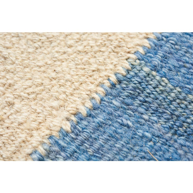 Schumacher Kilim Area Rug in Hand-Woven Wool, Patterson Flynn Martin For Sale In New York - Image 6 of 7