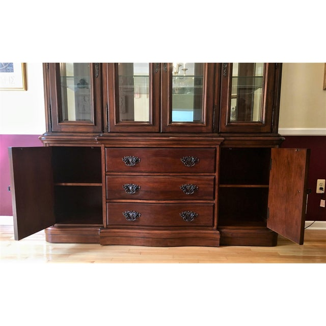 Avignon by Bernhardt China Cabinet Deck & Base For Sale - Image 9 of 13