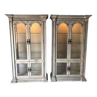 Estate Twın (2) French Style Glass China Cabinets For Sale
