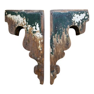 Two Early American Carved Wooden Brackets - a Pair For Sale