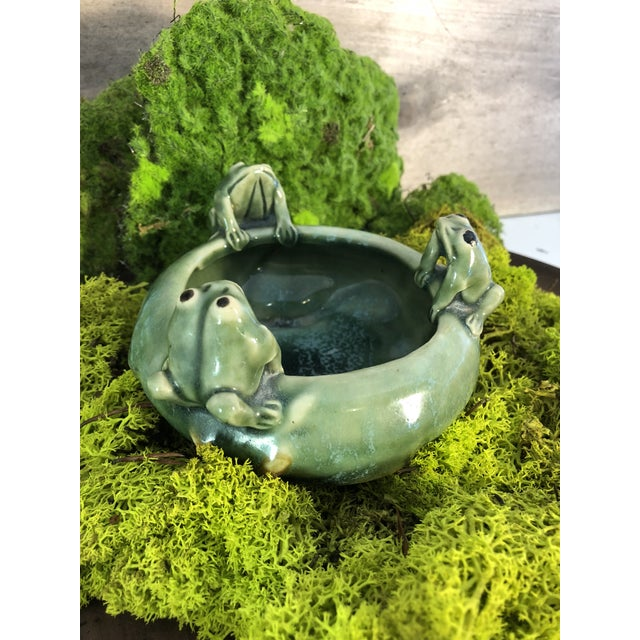 Fitz and Floyd Majolica 3 Frogs Bowl Planter For Sale In Pittsburgh - Image 6 of 8